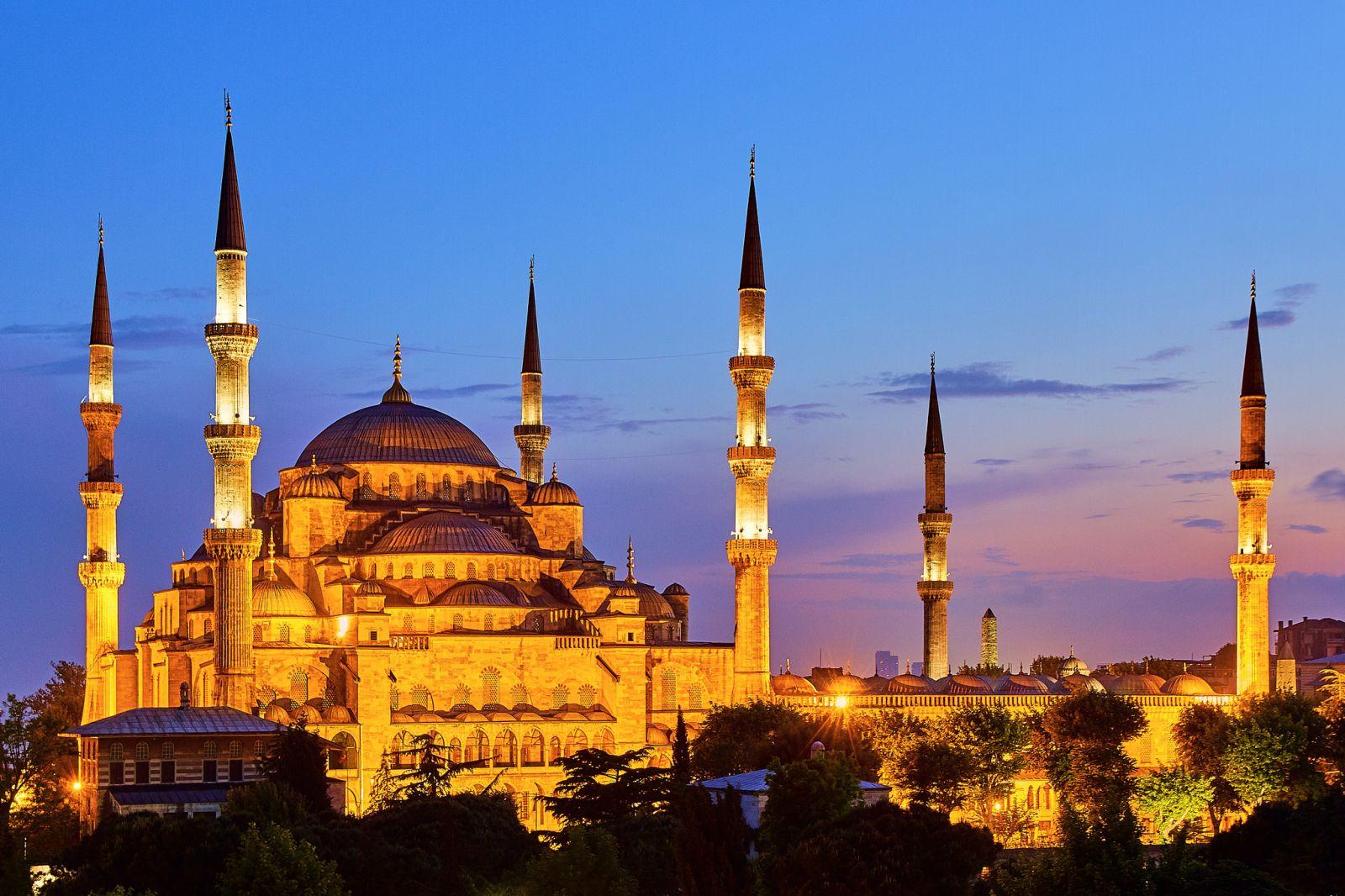 ผลการค้นหารูปภาพสำหรับ จัตุรัสสุลต่านอาห์เหม็ด (Sultan Ahmed Complex)